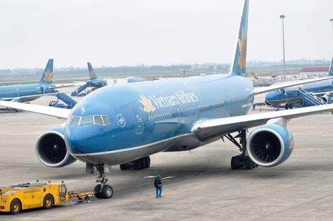 Máy bay VNA hạ cánh cấp cứu cho khách say rượu