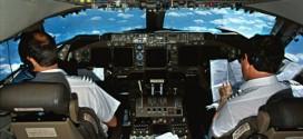 Trong ngành hàng không, phi công là nhân tố quan trọng nắm giữ sinh mạng của nhiều hành khách. Do đó yêu cầu trở thành phi công không hề đơn giản. Ảnh: Telegraph