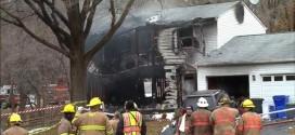 Mảnh vỡ máy bay khiến nhiều ngôi nhà bốc cháy