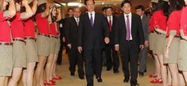 Thủ tướng Nguyễn Tấn Dũng tham gia lễ ra mắt liên doanh hàng không ThaiVietjet.