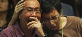 Hải quân Indonesia hôm nay cho biết đã vớt được hơn 40 thi thể ở khu vực có các mảnh vỡ của máy bay AirAsia QZ8501. Các thi thể được cho là của những người trên máy bay mất tích