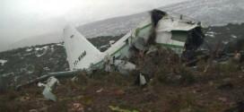 Chiếc máy bay vận tải Lockheed C-130 Hercules của không quân Algeria rơi tại vùng núi gần Ain Kercha khiến 76 người thiệt mạng