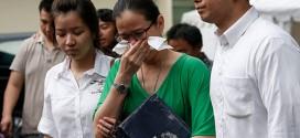 Người nhà của các nạn nhân trên chuyến bay QZ8501.