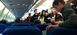 Nhiều tiếp viên hàng không thừa nhận số lượng cuộc cãi nhau giữa hành khách trên máy bay ngày một nhiều hơn, phần lớn do không gian riêng chật chội.