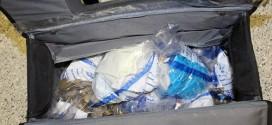 Tang vật được tìm thấy trong cốp xe của nam tiếp viên 56 tuổi.