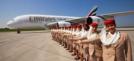 Emirates là hãng hàng không đang vận hành dàn máy bay thân rộng lớn nhất thế giới hiện nay với 150 chiếc Boeing 777 và 59 chiếc A380. Đội ngũ nhân viên của hãng cũng có hơn 18.000 người, đến từ 135 nước khác nhau.
