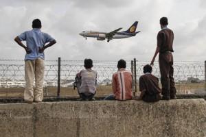Máy bay của hãng hàng không lớn nhì Ấn Độ - Jet Airways chuẩn bị hạ cánh.