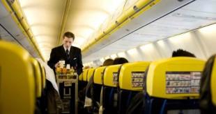 Hành khách có thể phải trả tới 2.5 £ (gần 80 nghìn đồng) cho một ly súp ăn liền trên máy bay.