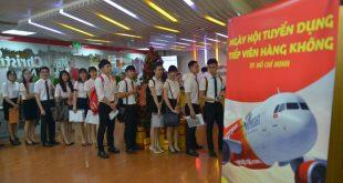 Nhiều bạn trẻ tham gia dự tuyển vào hãng hàng không Vietjet
