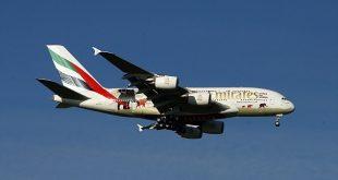 Hàng trăm hành khách đã đánh mất ngày đầu tiên trong chuyến bay mơ ước tới Dubai vì sự chậm trễ của Emirates.