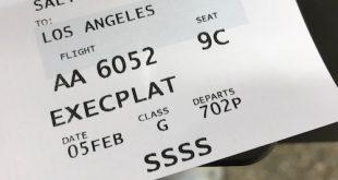 Dãy ký tự SSSS in trên thẻ lên máy bay.