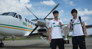 Năm 2008, bầu Đức chi hơn 7 triệu USD mua chiếc máy bay Beechcraft King Air 350 để phục vụ cho việc kinh doanh. Ông từng chia sẻ chiếc máy bay giống như ngôi nhà thứ hai của mình khi người đứng đầu tập đoàn HAGL liên tục phải di chuyển do yêu cầu công việc.