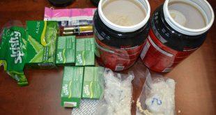 Ma túy đá ngụy trang trong các lô hàng quà biếu gửi từ Mỹ về Việt Nam qua đường hàng không bị Hải quan Tân Sơn Nhất phát hiện