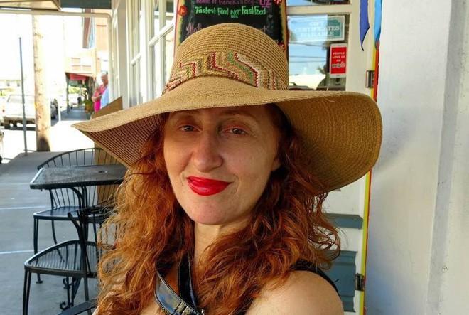 Beth Bornstein Dunnington là một trong những người chứng kiến sự mệt mỏi, bất lực của người mẹ kia.