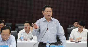 Bộ trưởng Bộ GTVT Nguyễn Văn Thể cho rằng, tầm nhìn quy hoạch hàng không còn hạn chế, làm như nhà tập thể.
