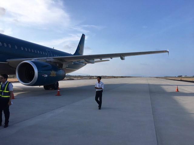 Máy bay đáp nhầm của Vietnam Airlines tại sân bay Cam Ranh