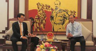 Thứ trưởng Bộ GTVT Lê Đình Thọ và Tổng giám đốc Cơ quan Chính sách An toàn hàng không Hàn Quốc Sang Do Kim thống nhất đẩy mạnh hợp tác toàn diện lĩnh vực hàng không, trong đó khẩn trương xúc tiến thành lập trung tâm huấn luyện bay Việt Nam - Hàn Quốc