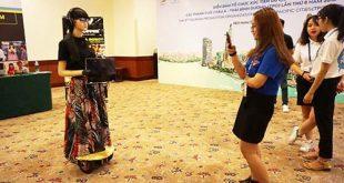 Cô robot thông minh tại Diễn đàn TPO lần thứ 8
