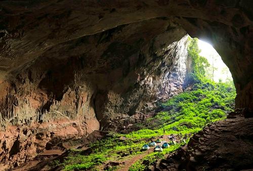 Tour du lịch khám phá hang Đại Ả, Over, Pygmy với mức phí tham quan 600.000 đồng/khách/lượt.