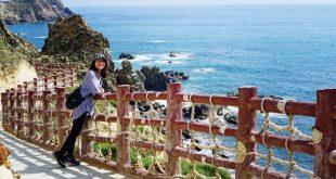 Eo Gió là một địa danh du lịch mà du khách khi đến Quy Nhơn đều mong muốn một lần ghé tham quan.