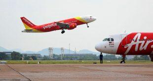 Đường cất hạ cánh và đường lăn tại các cảng hàng không quốc tế Tân Sơn Nhất, Nội Bài bị xuống cấp ngày càng trầm trọng, cần phải được nâng cấp.
