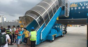 Chuyến bay VN117 bị lỗi kỹ thuật, Vietnam Airlines cho toàn bộ hành khách quay trở lại nhà ga tại sân bay Đà Nẵng sáng 4-11