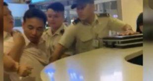 Nam hành khách có ý định tấn công nhân viên hàng không bị an ninh khống chế.