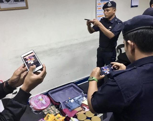 """Cảnh sát Malaysia kiểm tra hành lý của 2 hành khách người Việt nói """"có bom"""" ngày 22/11"""